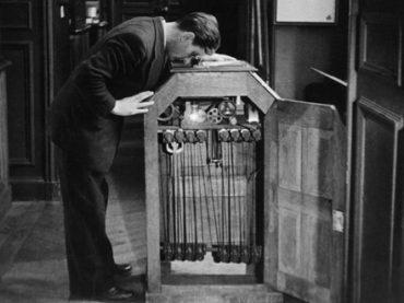 #88mph: Un tuffo nella storia – Edison brevetta il Kinetoscopio