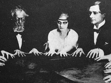 Maggie Fox, Kate Fox e di quella volta che nacque lo spiritismo