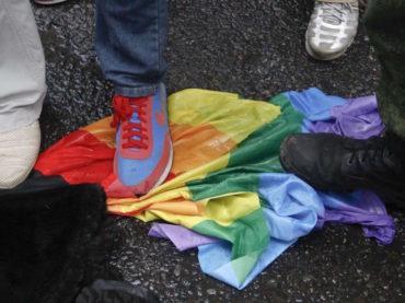 Dobbiamo continuare a parlare della Cecenia omofoba!