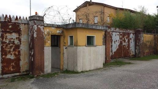 """Caserma """"G. Degano"""", Palazzolo dello Stella, Udine (Credits: Caserme Abbandonate/ Facebook)"""