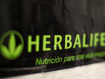 Herbalife: una storia di frullati e piramidi