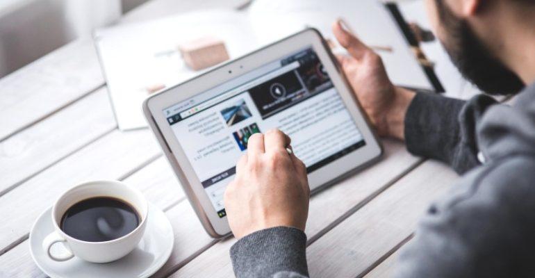 Digital in 2018: quanto tempo trascorriamo online (e sui social)
