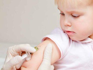 Vaccini: prima la salute dei cittadini, poi la campagna elettorale