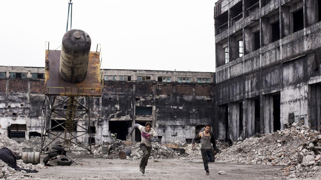 Scene da The Worthy, Siria