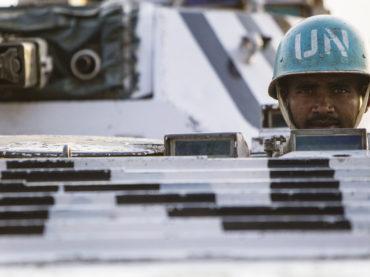 """Peacekeeping, pregi e difetti dell'intervento militare """"giusto"""""""