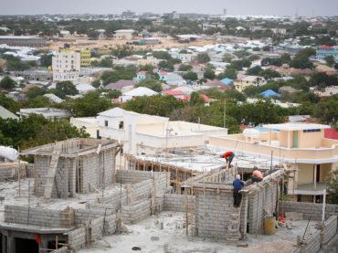 Mogadiscio, speranza e speculazione all'ombra della ricostruzione