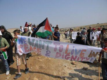 Sumud Freedom Camp, un anno dopo la resistenza continua