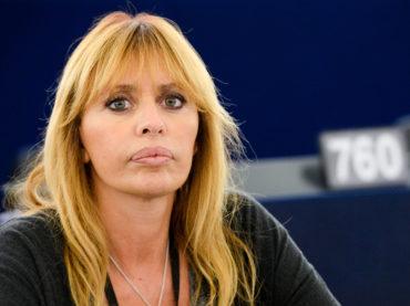 Il fastidioso moralismo di Alessandra Mussolini