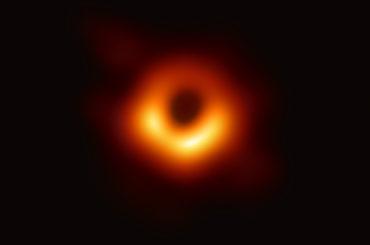 """Buco nero, una """"foto"""" davvero importante?"""
