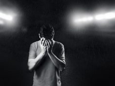 Suicidio maschile: i rischi psicosociali connessi