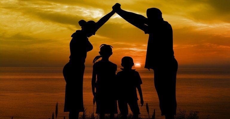 L'affido, l'adozione e…. La classica confusione italiana.